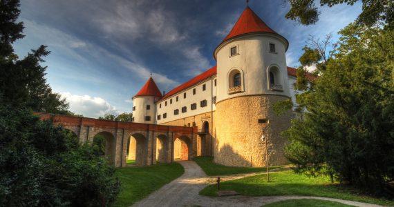 Mokrice Castle 2