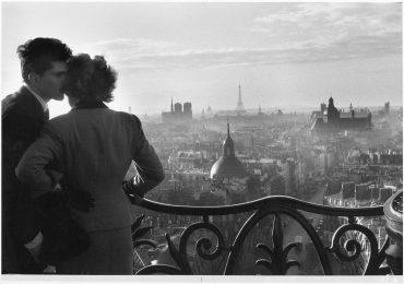 Willy Ronis, Les Amoureux de la Bastille, Paris, 1957 Venezia
