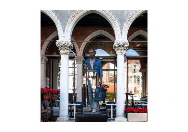 Bleu de Chine, l'opera di Bruno Cataldo in mostra a Venezia